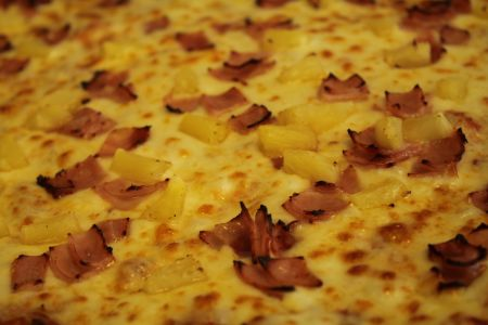 Pizzazz Pizza, Hawaiian