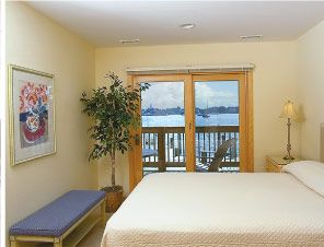 Captain's Landing Waterfront Inn, Weekly Suite Rentals