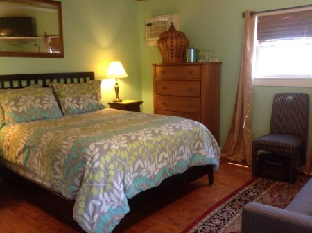 Pam's Pelican Bed And Breakfast, Military Discount