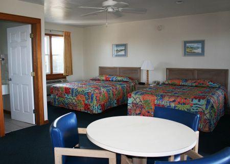Pony Island Motel, 2 Queen Beds