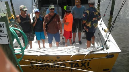 Fishing Taxi Sportfishing, A mixed group on the ocean