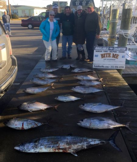 Bite Me Sportfishing Charters, Wrapping up 2017 with Tuna!