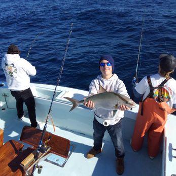 Tuna Duck Sportfishing, Jigging For Blackfin Tuna