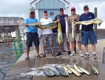 Tuna Duck Sportfishing, Showing of Mahi