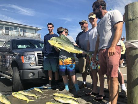 Bite Me Sportfishing Charters, The Georges caught a large mess o Mahi!