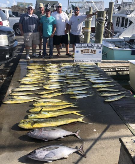 Bite Me Sportfishing Charters, Dolphin and Blackfin on a pretty day