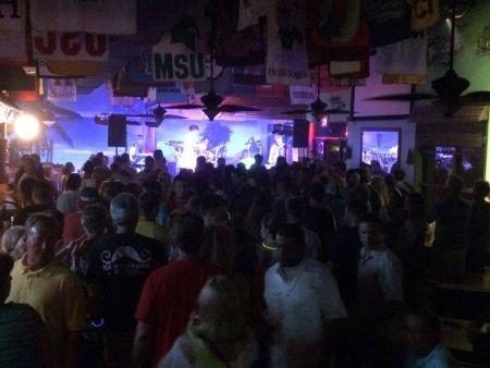 Sundogs Raw Bar and Grill, DJ Dance Party