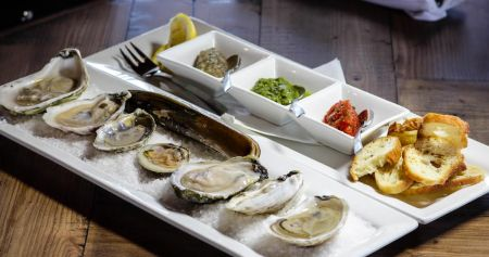 Taste of the Beach, Shuckin' It On The Water – A Blue Water Oyster Experience