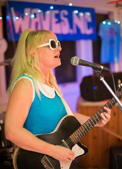 Outer Banks Brewing Station, Katie and the Teardrops