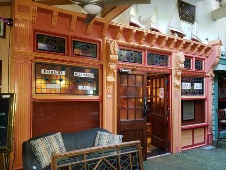 Kelly's Outer Banks Restaurant & Tavern, Memorabilia-Art Auction