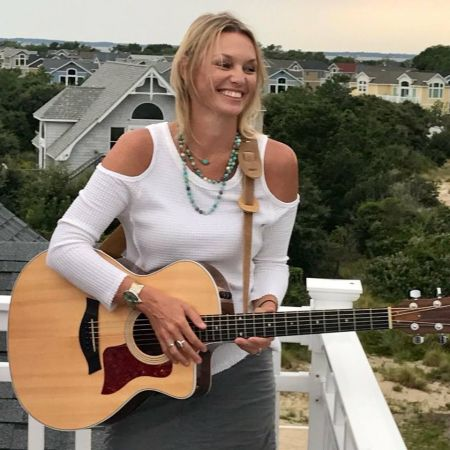 THE BLUE POINT Restaurant in Duck, NC, Live Music: Michelle Fernandez
