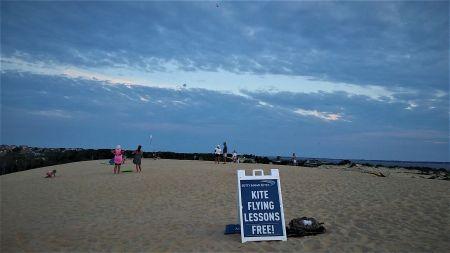 Free kite lessons by Kitty Hawk Kites at Jockey's Ridge State Park