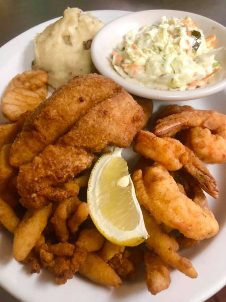 Sonny's Restaurant on the Hatteras Waterfront Outer Banks, Captain's Platter