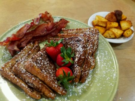 Uncle Ike's Sandbar & Grill, French Toast