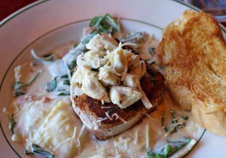 Red Drum Grille & Taphouse, Crab Meat & Tuna