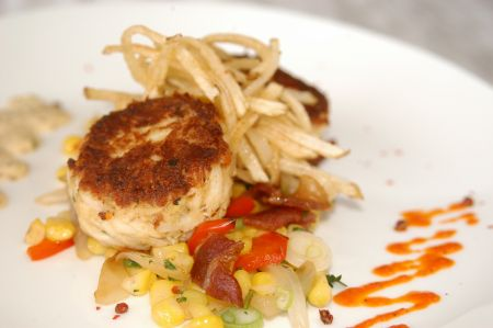 Avenue Waterfront Grille, Crab Cake Sliders