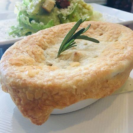 TRiO Restaurant & Market, Crab Pot Pie