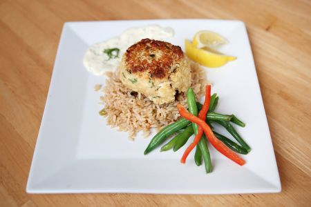 Stripers Bar and Grille Manteo, Crab Cake