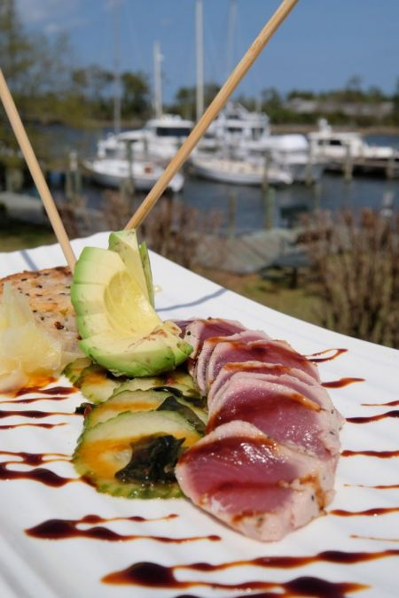 Avenue Waterfront Grille, Tuna Sushi Style