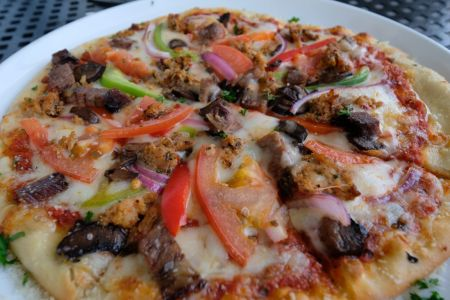 Avenue Waterfront Grille, BYOP (Build Your Own Pizza)