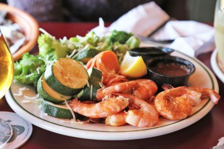 Red Drum Grille & Taphouse, Shrimp and Veggie Platter