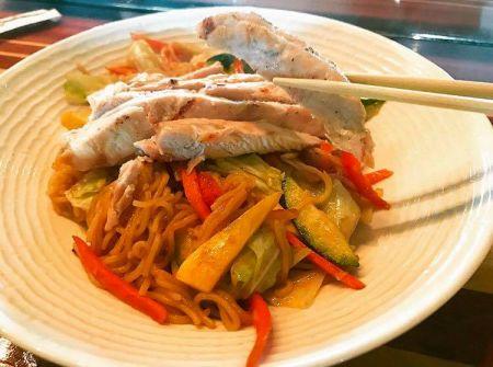 Single Fin Bistro Bar & Grille Outer Banks, Yakisoba Noodles