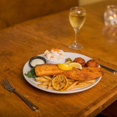Mulligan's Grille, Friday Night Fish Fry