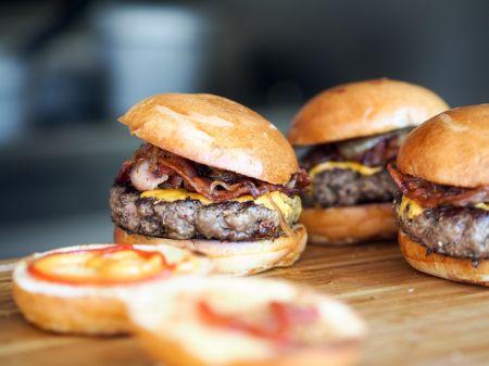 North Banks Restaurant, Off-Season Specials: Burger Night
