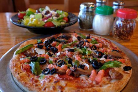 Dare Devil's Pizzeria, Saturday Pizza Special