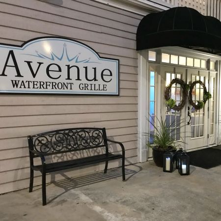 Avenue Waterfront Grille, Santa's Nice List