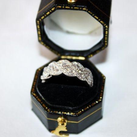 Muzzie's Fine Jewelry & Gifts, 79 Diamonds