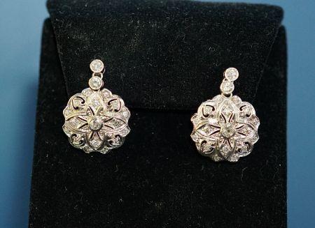 Muzzie's Fine Jewelry & Gifts, Diamond Earrings