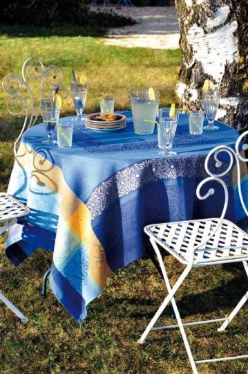 Spry Creek in Corolla NC, French table linens by Le Cluny.