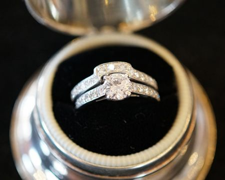 Muzzie's Fine Jewelry & Gifts, Engangement Ring Set