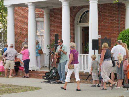 Town of Manteo, First Friday